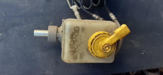 21027099 VAG Главный тормозной цилиндр SKODA Volkswagen