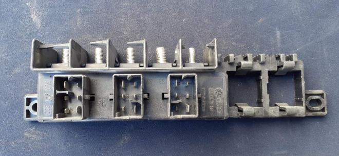 8L0941822 VAG блок коммутационный