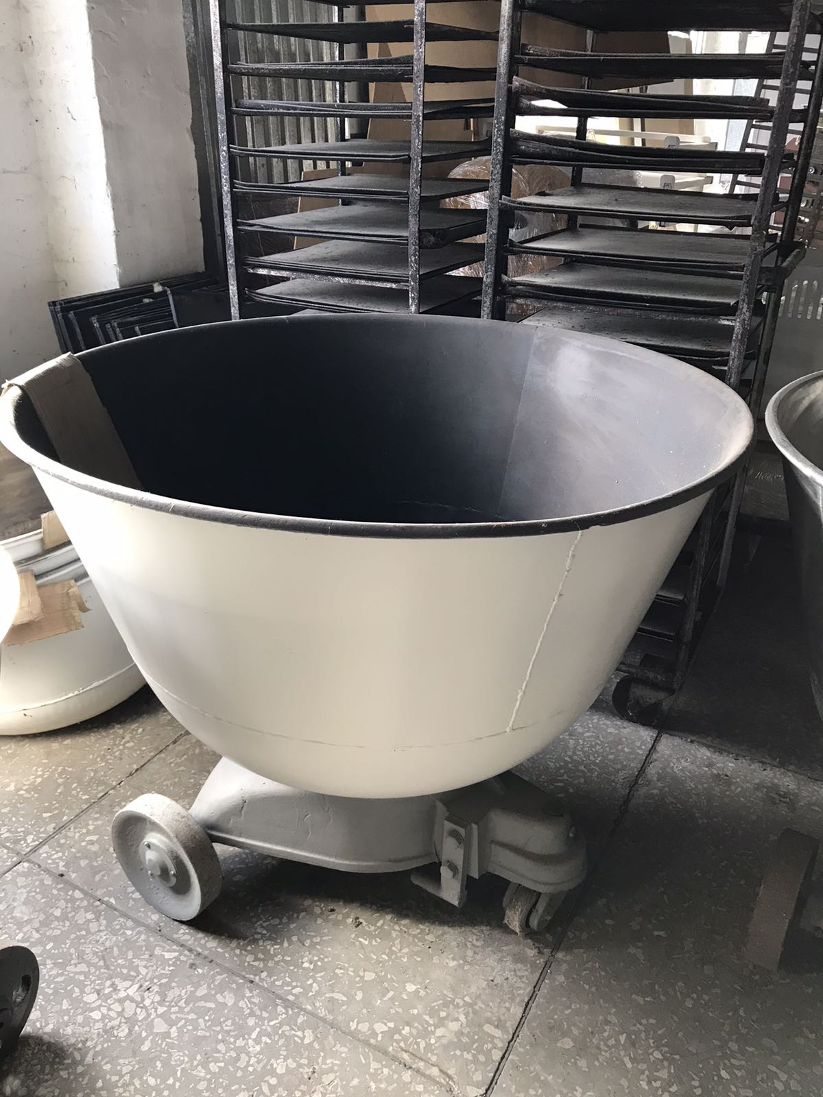 Дежа на 330 литров из углеродистой стали