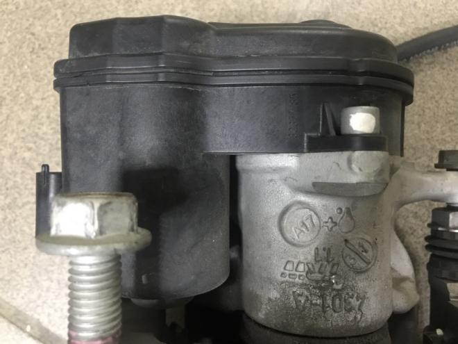 Электро ручный тормоз, левый Chevrolet Bolt EV 13590537