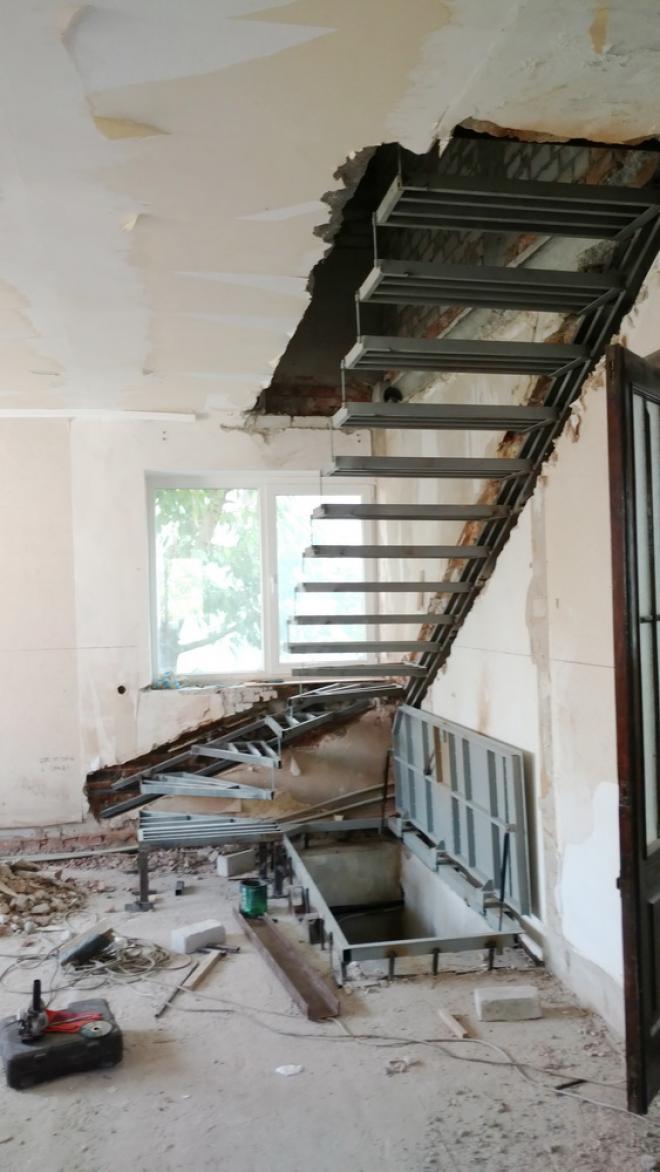Изготовим консольную лестницу.