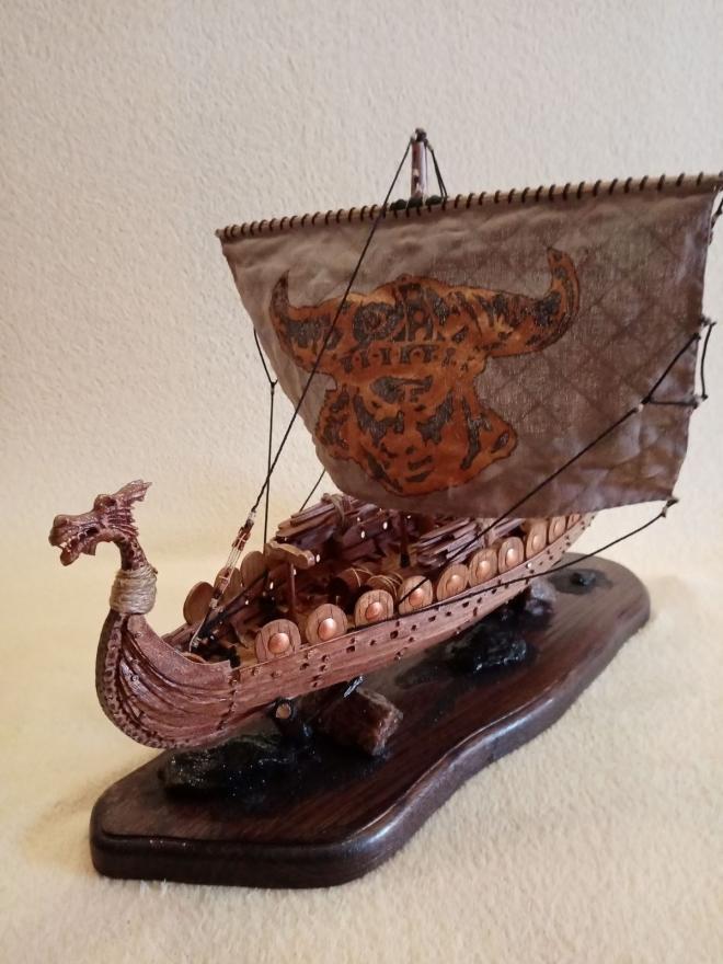 Модель корабля вікінгів, дракар