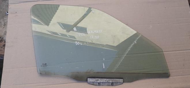 Opel Kadett стекло боковое стекла