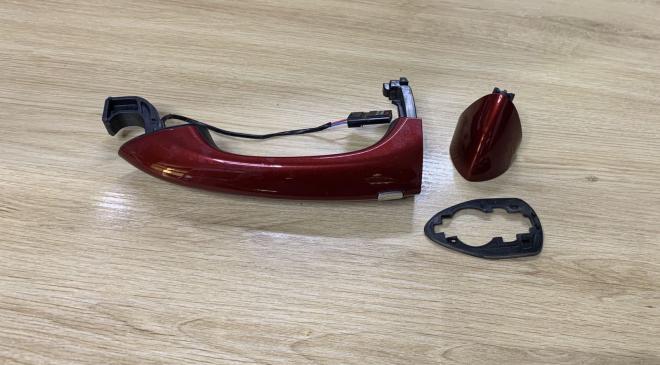 Ручка двери с крышкой задняя правая Chevrolet Bolt Ev   13509607