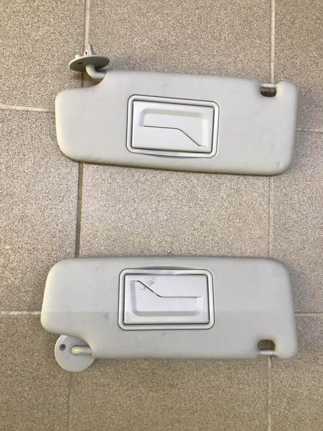 Солнцезащитный козырек правый, левый Chevrolet Bolt EV   42555368