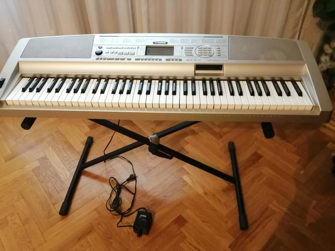 Yamaha Portable Grand DGX-300 – цифровое пианино-синтезатор НОВОЕ