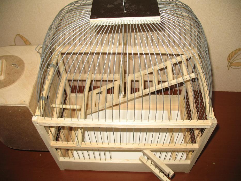 Клетка для волнистых попугаев.