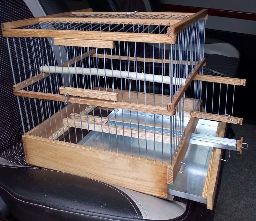 Клетка дубовая для канареек, попугаев.