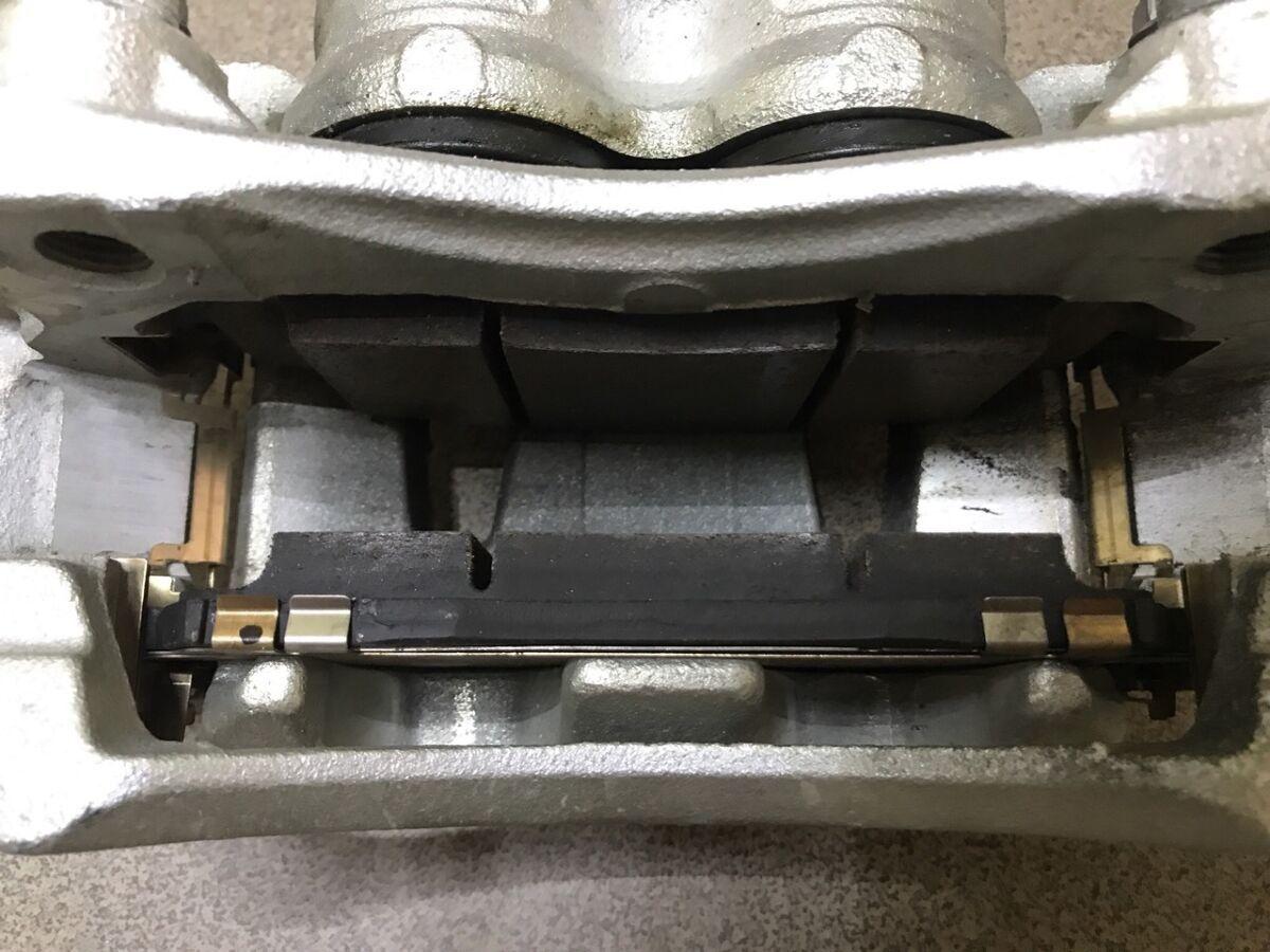 Колодки тормозные перед Nissan Leaf 2018 D1060-5TA0A